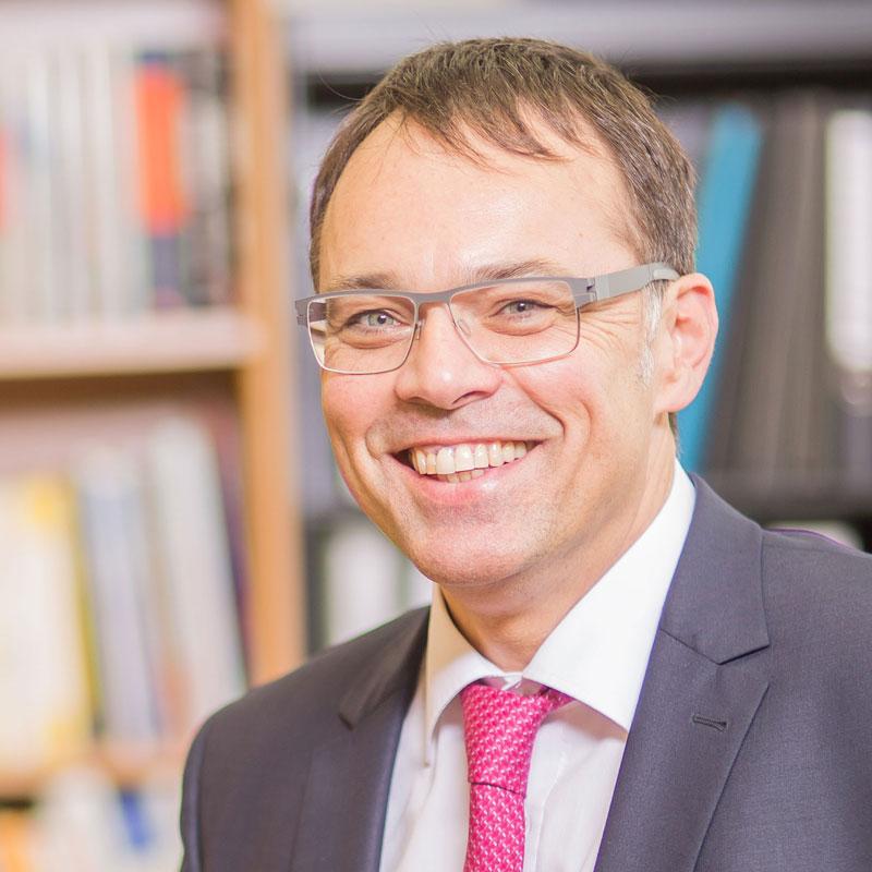 Dr. Harald Schoenfeld
